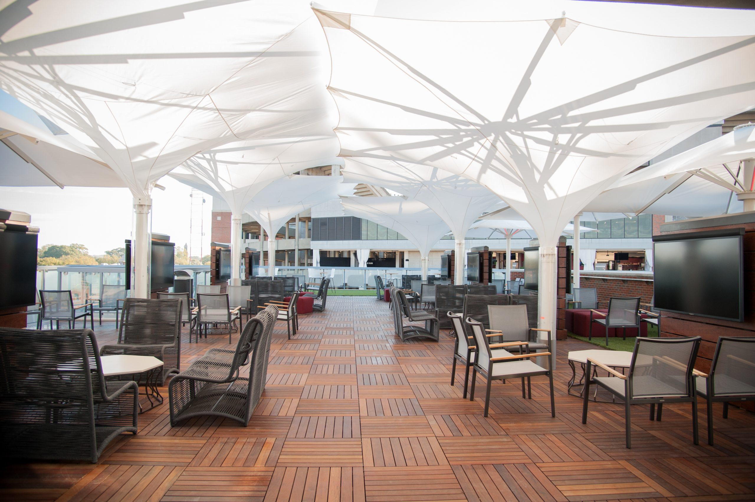 Access to the exclusive SkyGate Club Included